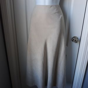 Relativity Woman Skirt